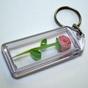 Portachiavi con fiore rosa - www.quillingmesoftly.com