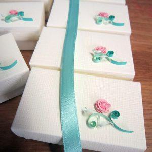 Serie scatole bomboniere verde tiffany con rosa rosa - www.quillingmesoftly.com