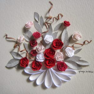 Bouquet rose rosse e bianche - www.quillingmesoftly.com