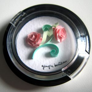 Calamita con rose rosa - www.quillingmesoftly.com