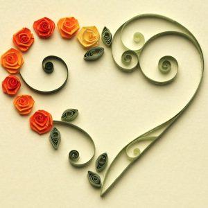 Cuore con rose arancioni - www.quillingmesoftly.com